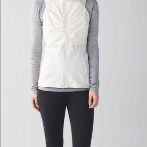 🆕 Lululemon Kanto Catch Me Vest Size 10